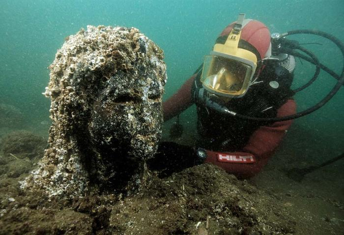 Lost Egyptian City Discovered Beneath The Sea After 1,200 Years