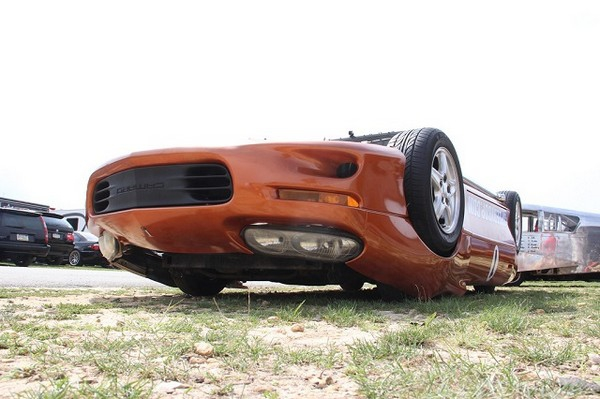 Awesome Upside-Down Car Turns Driving Literally on Its Head [video] awesome-upside-down-car-turns-driving-literally-on-its-head