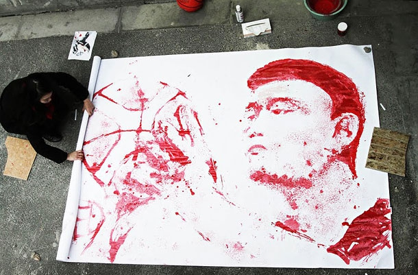 Impressive Portrait Of Yao Ming Painted Using A Basketballd artistic, awesome, cool, funny, random, silly, sweet, weird