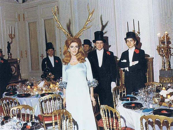 Extraordinarily Odd Photographs From A 1972 Rothschild Party  artistic, awesome, cool, funny, random, silly, sweet, weird