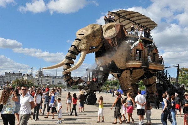 The Incredible Monsters & Machines Of The Isle Of Nantes от Veggie за 28 aug 2013