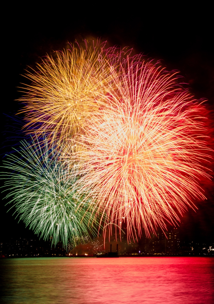 Spectacular Shots of Japan's Summertime Fireworks Festivals art, festivals, fireworks, photo, photography, summertime