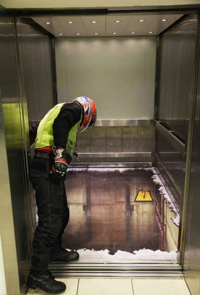 The bottomless 3D Elevator Shocks Unsuspecting London Shoppers the-bottomless-3d-elevator