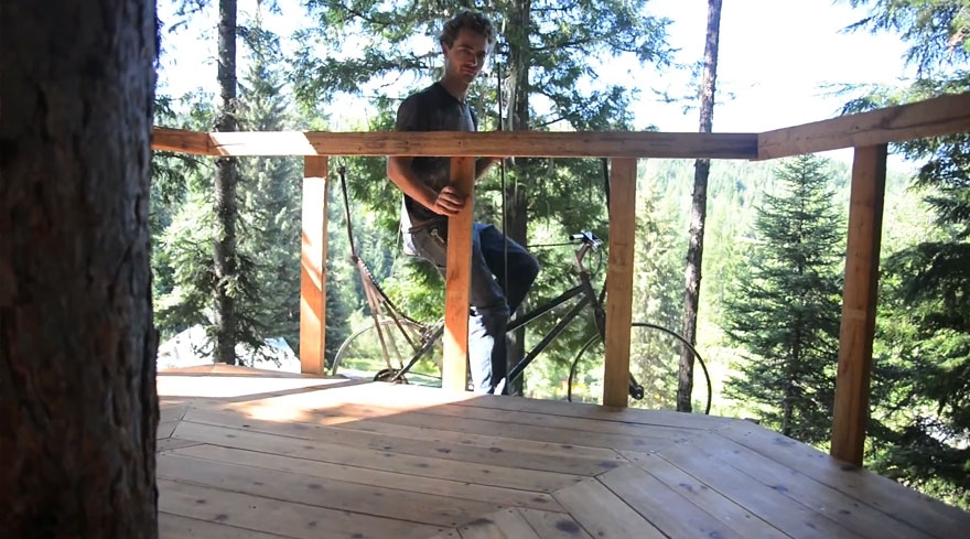 Guy Turns His Old Bike Into Pedal-Powered Treehouse Elevator