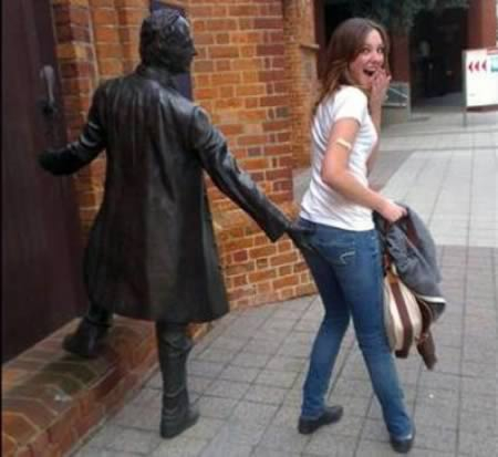 Reasons Why Statues Don't Have to be Boring art, boring, funny, hilarious, sculpture, statue