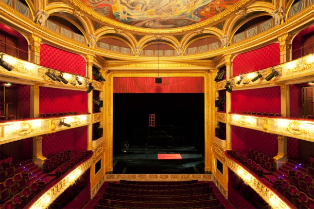 "Step Inside The Grandiose & Extravagant Theatres Of Paris ""film"", architecture, cinema, featured, filmmaking, france, holiday, movies, paris, photography, theatre, travel"