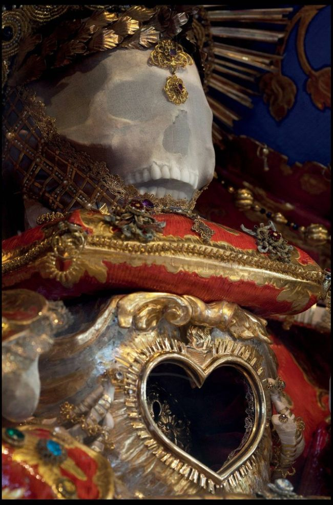 Jewel Encrusted Skeletons  catholic-vaults, container, encrusted, inetersting, jewel, skeleton