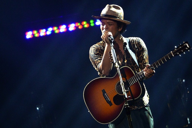 Bruno Mars to Perform at the Super Bowl XLVIII Halftime Show artistic, funny-crazy-wtf-people, interesting, music, random, silly, weird