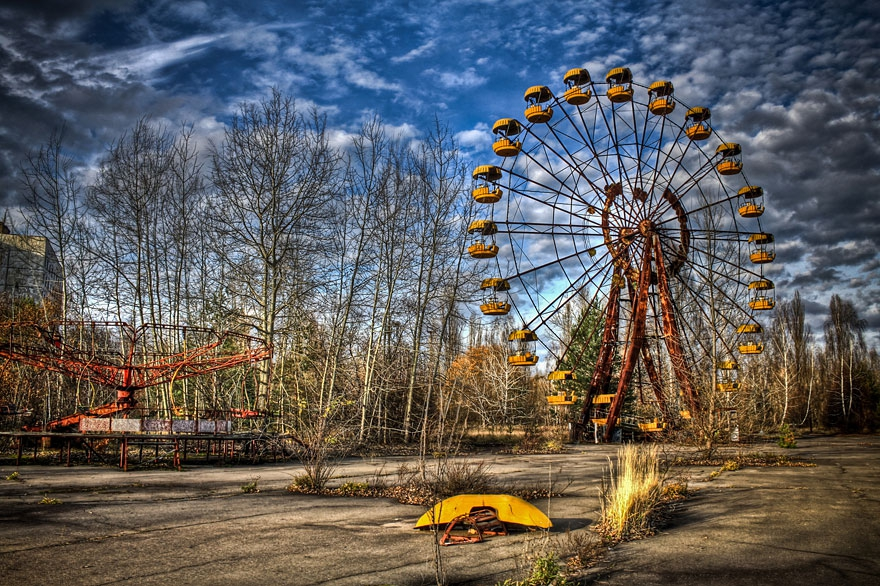 6. Pripyat, Ukraine abandoned-buildings, abandoned-cities, abandoned-places, abandoned-structures, creepy, full-page, ghost-towns, haunted, urban-exploration, urban-photography