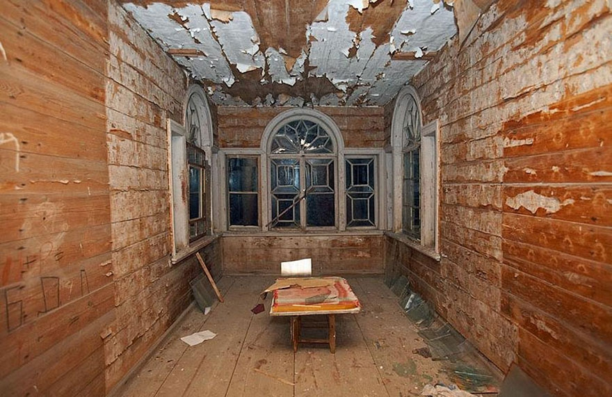 Haunting Images of Abandoned Places That Will Give You Goose Bumps abandoned-buildings, abandoned-cities, abandoned-places, abandoned-structures, creepy, full-page, ghost-towns, haunted, urban-exploration, urban-photography