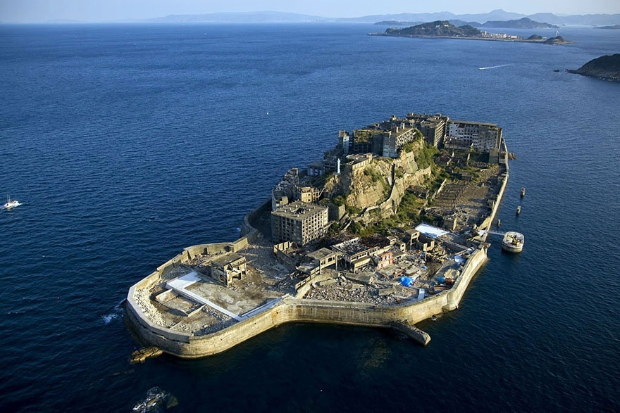 22. Hashima Island, Japan abandoned-buildings, abandoned-cities, abandoned-places, abandoned-structures, creepy, full-page, ghost-towns, haunted, urban-exploration, urban-photography