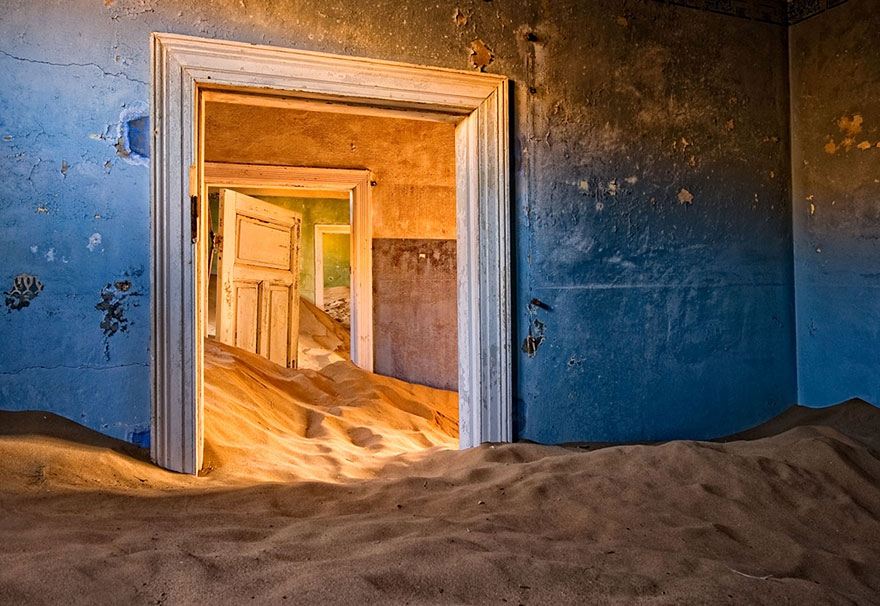 2. Kolmanskop, Namibia abandoned-buildings, abandoned-cities, abandoned-places, abandoned-structures, creepy, full-page, ghost-towns, haunted, urban-exploration, urban-photography