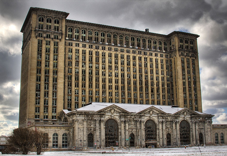 11. Michigan Central Station in Detroit, U.S.A. abandoned-buildings, abandoned-cities, abandoned-places, abandoned-structures, creepy, full-page, ghost-towns, haunted, urban-exploration, urban-photography