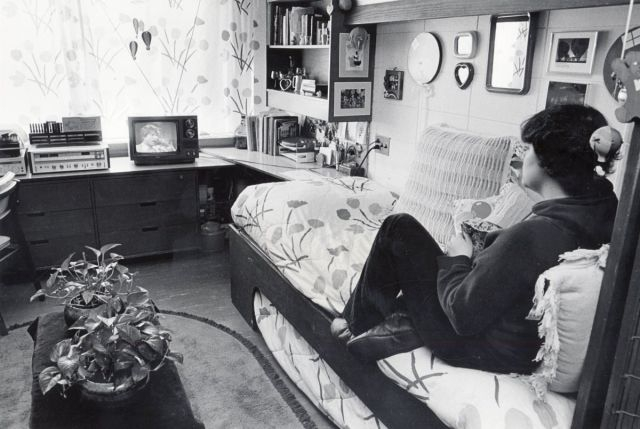 The Evolution of College Dorm Rooms over the Last 110 Years change. photo, college, dorm-rooms, evolution, interesting, study