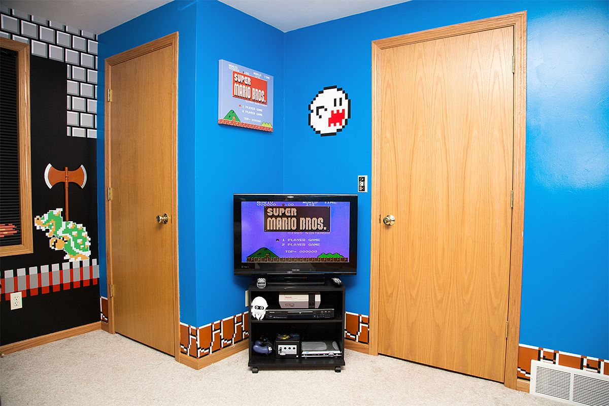 Check Out This Mario Brothers Themed Bedroom