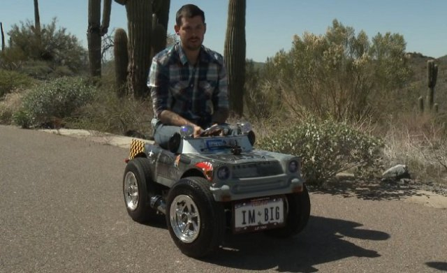 World's Tiniest (and Amazingly Cute) Car [video]