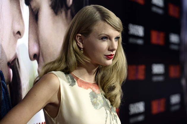 Taylor Swift Has New Hairstyle at 'Romeo + Juliet' Premiere [PHOTOS]