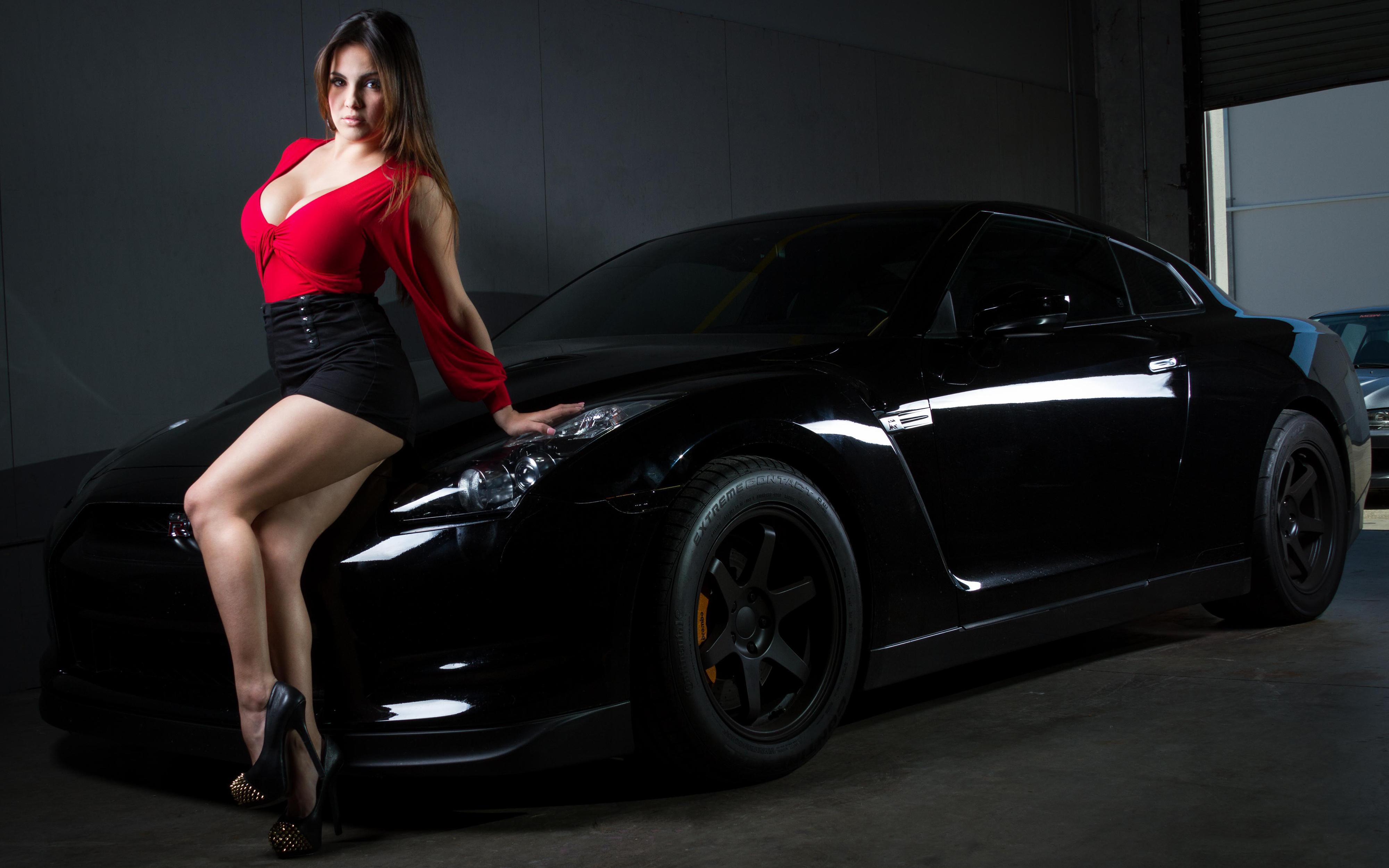 Большие дамы с машинами — 3