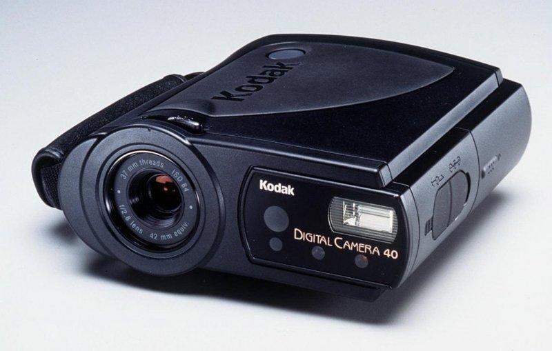 10. Цифровой фотоаппарат Kodak DC40 даже в 1995 году давал не самое лучшее качество картинки. Но проблема в большей степени состояла  в том, что все остальные аппараты уже обладали цифровыми дисплеями, а он — нет. Но зато стоил 1000 долларов trend, в мире, вещи, инновация, музей, неудача