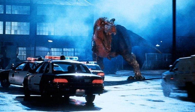 jurassic park summary report essay In steven spielberg's massive blockbuster, paleontologists alan grant (sam neill) and ellie sattler (laura dern) and mathematician ian malcolm (jeff goldblum) are among a select group chosen to tour an island theme park populated by dinosaurs created from prehistoric dna.