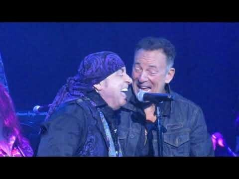 "стариканов: Bruce Springsteen/Stevie Van Zandt - ""Tenth Avenue Freeze-Out"""