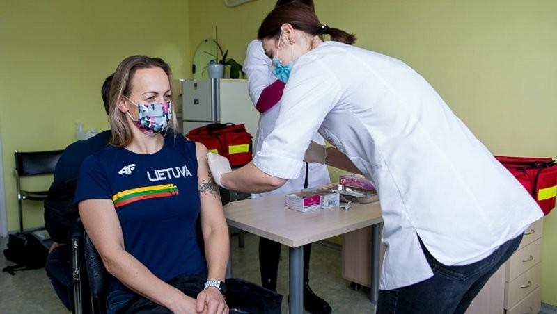 Помру, но прививку оккупантов не признаю! В Литве умирают после прививки от COVID-19